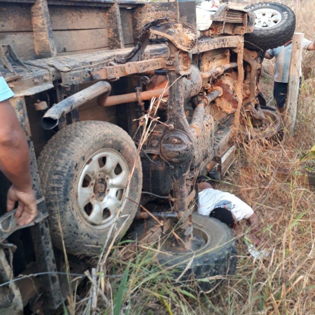 TRAGÉDIA: Grave acidente de trânsito deixa um morto entre a linha 21 e 114