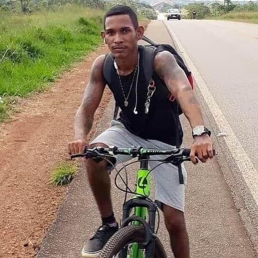 ASSISTA: Vídeo mostra ciclista sendo atropelado e morto no Espaço Alternativo
