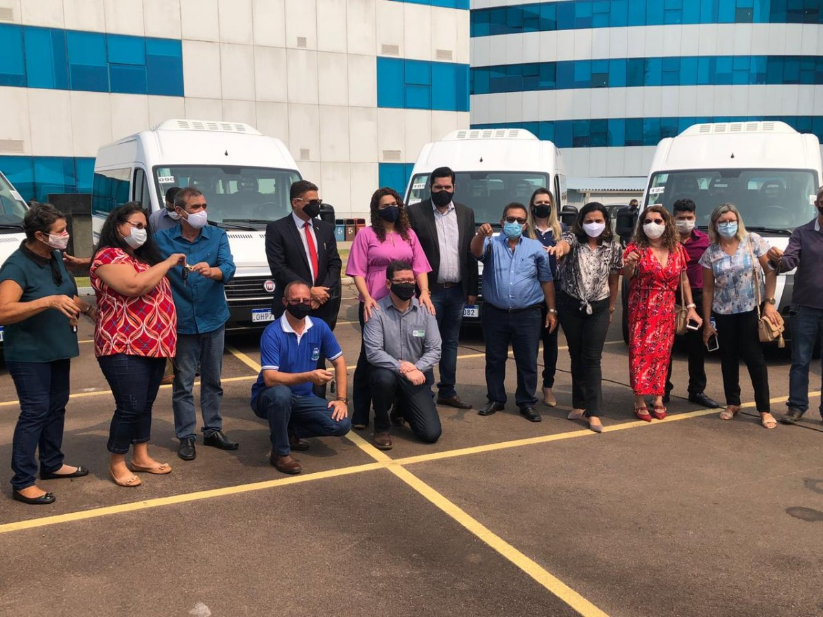 DEPUTADO ESTADUAL: Jean Oliveira participa da entrega de veículos à  Federação das Apaes - Rondoniaovivo.com