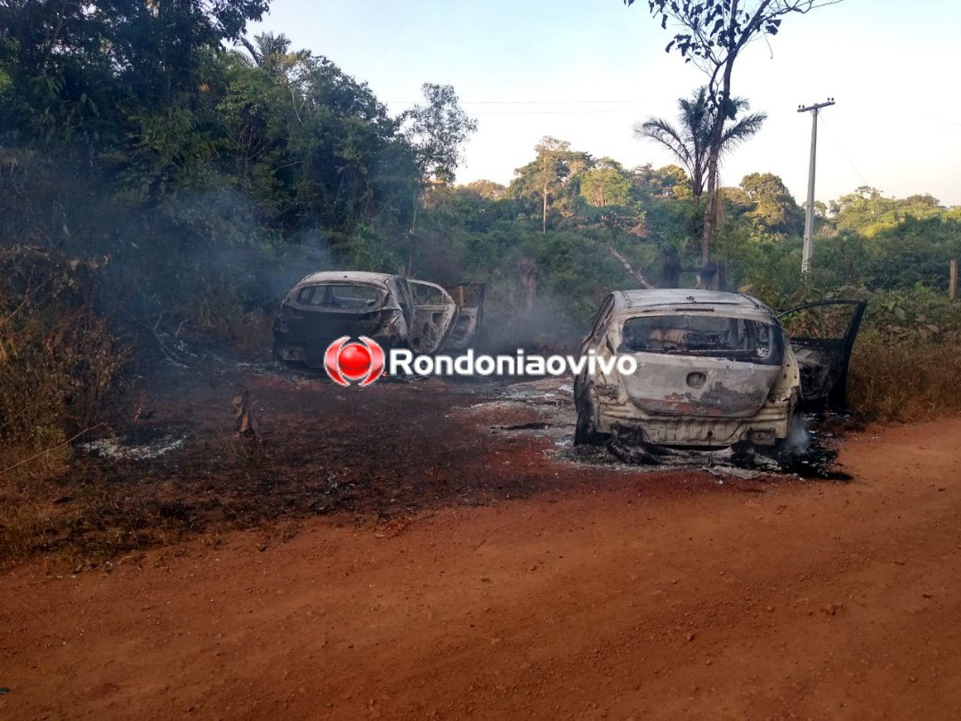 SEQUESTRO: Bandidos com fardas da PF rendem motorista de App e incendeiam veículos