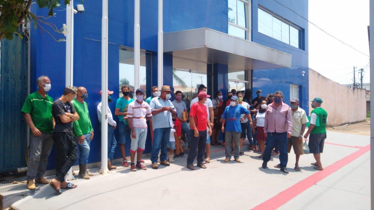ABANDONADOS: Famílias protestam pedindo melhorias em estradas de assentamento agrícola