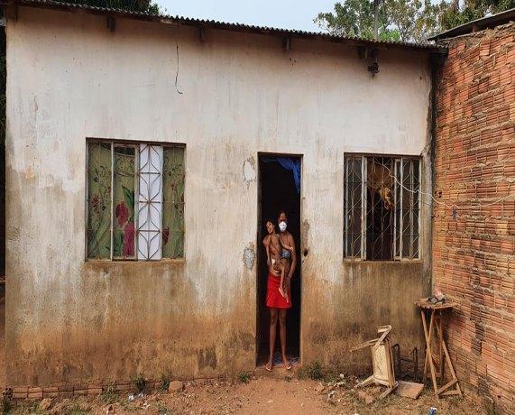 Corrente Do Bem Mulher Que Assumiu Crianca Especial Precisa De Ajuda Para Levantar Casa Rondoniaovivo Com